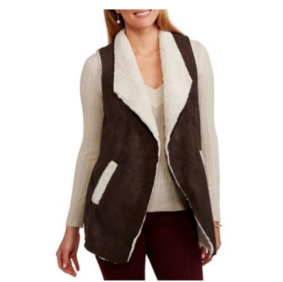 a20d37fae20 French Laundry Flyaway Faux Fur Vest (M05)